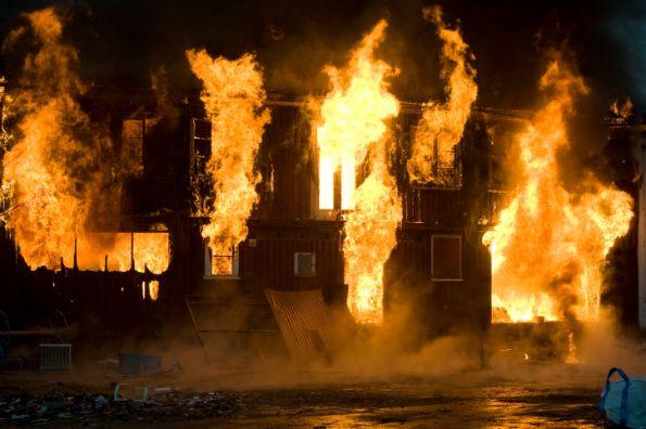 Impedir la propagación del fuego con sellado de instalaciones