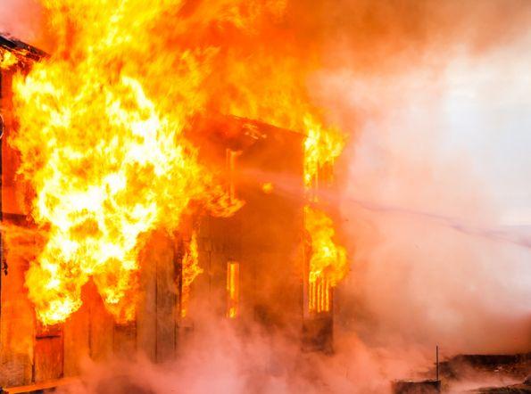 La importancia de retardar la propagación del fuego en un edificio